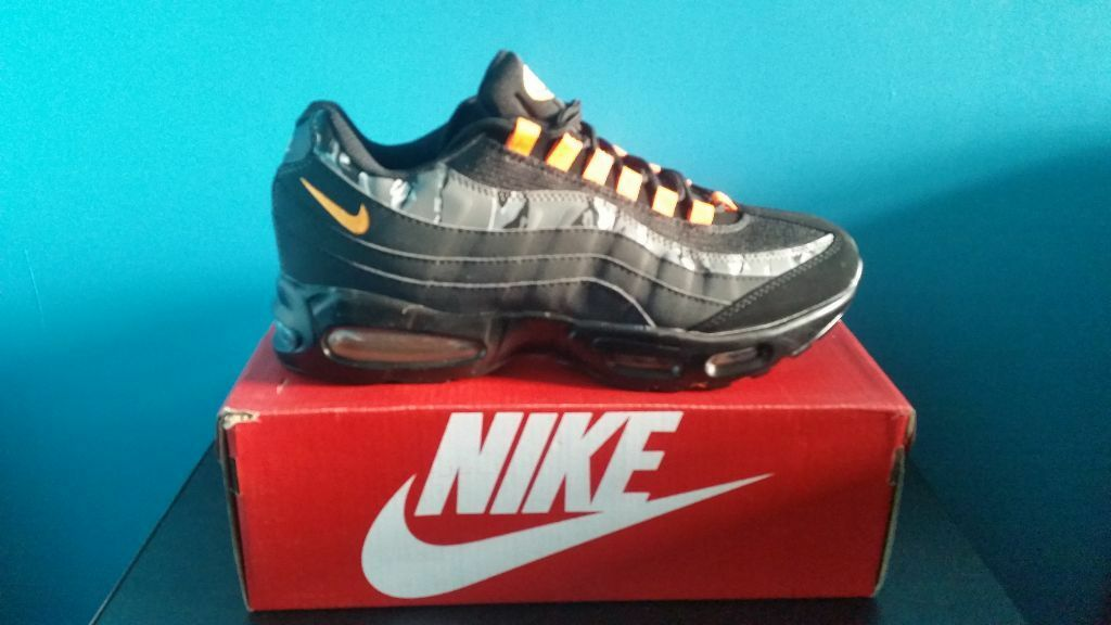 qeicm Air Max 95 Si Black/Total Orange-Black Noir/Orange-Noir Size UK 8