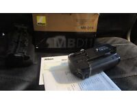 Nikon MBD11 battery grip for Nikon D7000