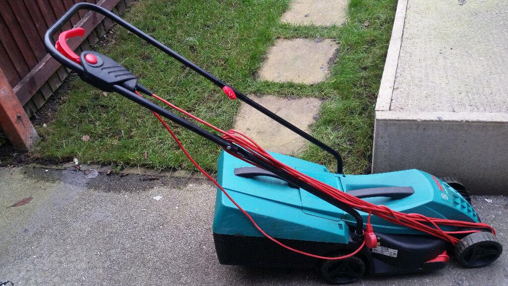 Bosch Rotak 32R Electric Rotary Lawnmower
