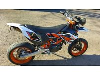 2015, KTM 690 SMC R, AKRAPROVIC, HEALTECH QUICKSHIFTER, 4000 MILES, IMMACULATE CONDITION.