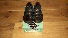 Clarks school shoes size 8 G