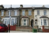 Spacious 3 bedroom house located in Manor Park - DSS WELCOME