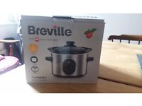 New in box Compact Breville slow cooker 1.5 litre
