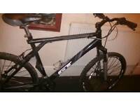 ** MOUNTAIN BIKE -GT Avalanche 24 GEARS (LARGE) **