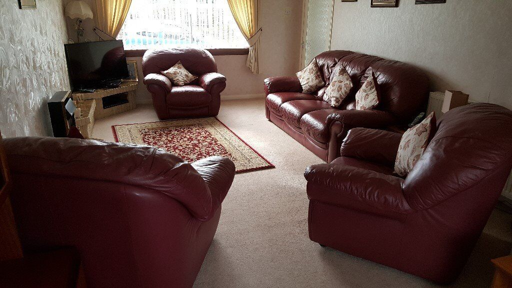 3 Piece Red Leather Suite in excellent condition
