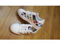 Color Adidas Superstar size 2
