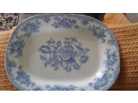 VERY OLD BLUE AND WHITE MEAT PLATTER