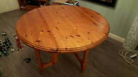 solid pine collapsable dining table seats 6 easily