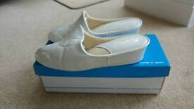 Soft leather mules/slippers Sz 5