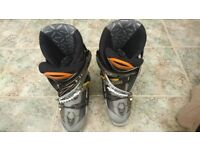 Head E-Fit 9.0 Ski boots with Head boot bag