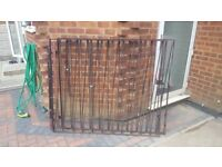 METAL GATES X 2 117CM HEIGHT 136CM LENGTH