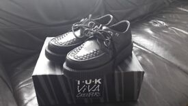 NEW T.U.K. Shoes Black Leather Viva Low Sole Creepers, size 5
