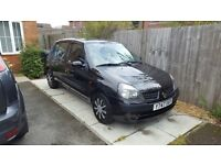 2001 black renault clio 1.2 16v great cheap car or ideal first car