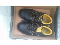 Male safety shoes