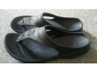 MEN'S LEATHER CROCS / SUMMER FLIP-FLOPS