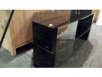 BLACK/CLEAR GLASS & HIGH GLOSS 3 TIER TV STAND