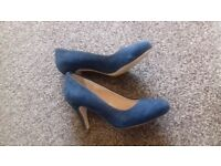 Brand new Next wide fit size 5 navy suede leather heels shoes