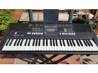 Yamaha PSR-E423 Electronic Keyboard Synthesiser - Mint