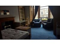 FESTIVAL LET: Large double room in Marchmont/Meadows area. £200 per week.