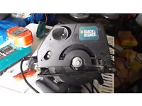 **BLACK AND DECKER**CIRCULAR SAW**240V**FULLY WORKING**VERY SHARP**HARDLY USED**