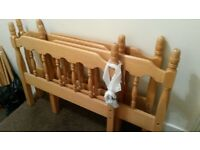 Solid pine wood/2 single beds/ Bunk bed