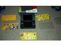 NEW NINTENDO 3DS BLACK WITH GAMES, CASE, BOX AND COVER PLATES