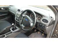 ford focus estate zetec climate, manual,petrol, 100,000 miles