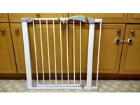 Lindam stair gate with extension to fit 75-82cm