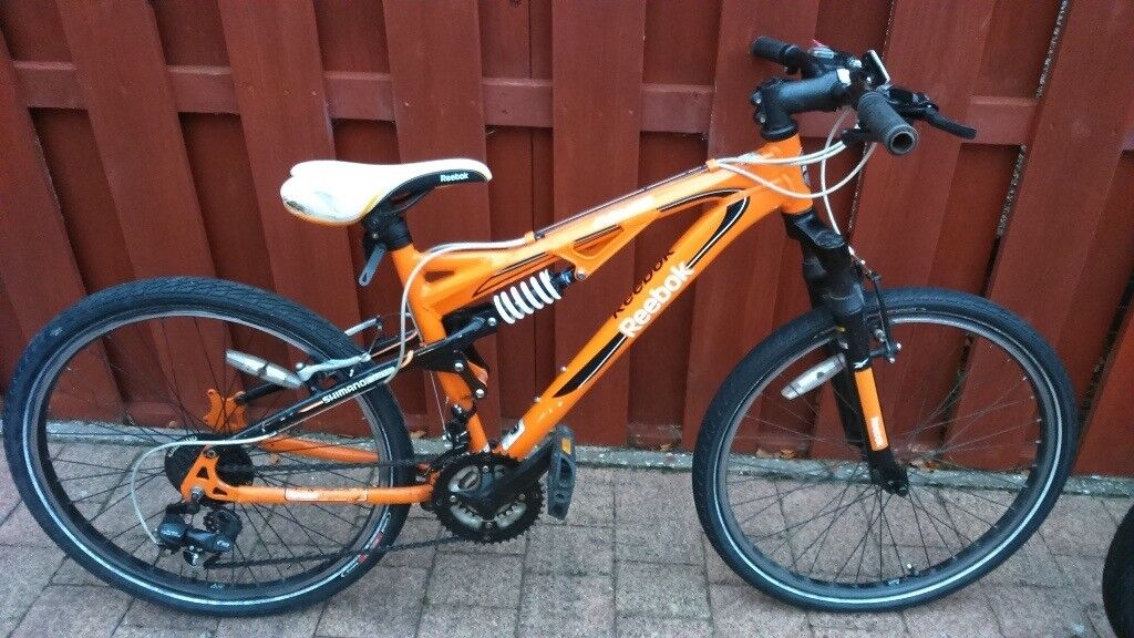 Reebok boys bike - boys bike with new tyres and new gear lever, good running bike £40