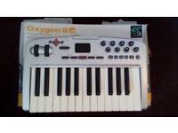 M-Audio Oxygen 8 v2 Midi Controller 25 keys