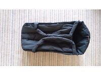 Phil and ted's cocoon, black. Excellent condition, hardly used.