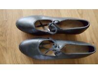 Ladies Tap Shoes