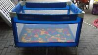 Graco pack and play park / parc - lit