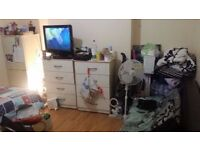 @@ Massive double room available from 12/12 @@ Willesden Junction