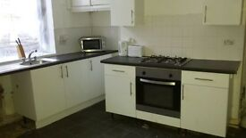 South Street Flat/ 2 Bedroom/£400 PCM