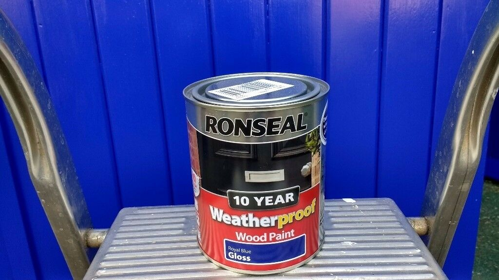 Ronseal Royal Blue gloss paint for exterior use