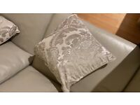 6 cream baroque style cushions
