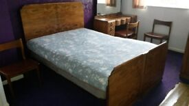 Vono Walnut Art Deco double bed in good condition. Mattress included if needed.