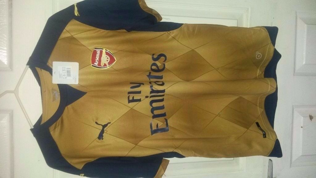Arsenal Away Shirt Size Medium 2016/2017 season. Brand new w/ tags