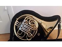 French Horn. In immaculate condition, comes with case and book. Age 9 to 12 years.