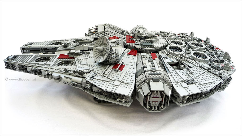 DISCONTINUED AND RARE Lego Star Wars 10179 USC The Millenium Falcon!!