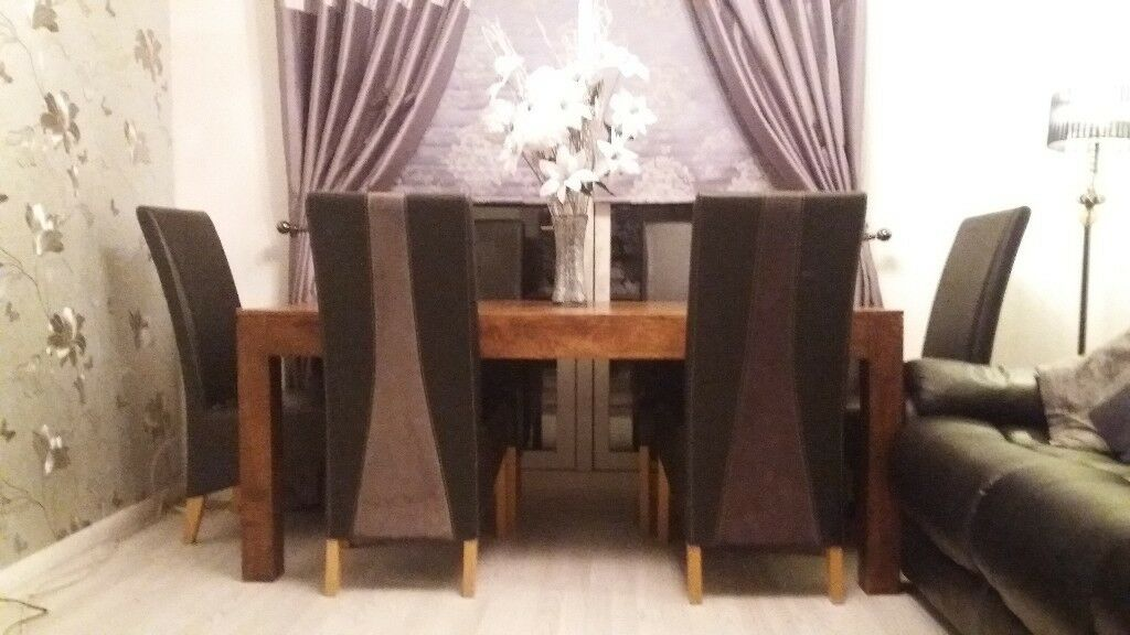 DinningTable with 6 Leather chairs
