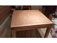 Extending Dining Room Table and Six Chairs. In excellent condition.