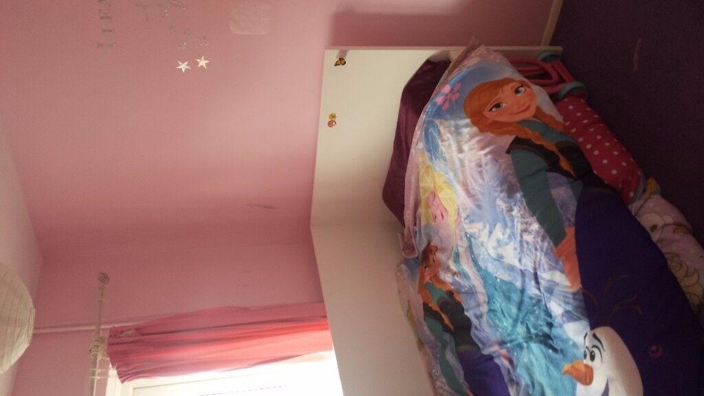 2 bed maisonette in hook for 2 bed in se1