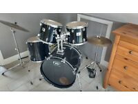 Peavey black 5 piece drum kit