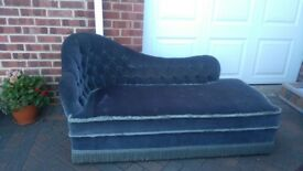 Gorgeous blue velvet Chaise Longue - good condition