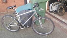 Mens / boys silver bicycle - salcano mointain