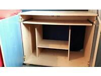 Boys desk with pull out computer shelf