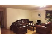 Dbl room avail in lovely modern city centre flat