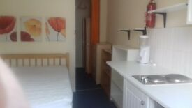 Newly refurbished single room in Bayswter